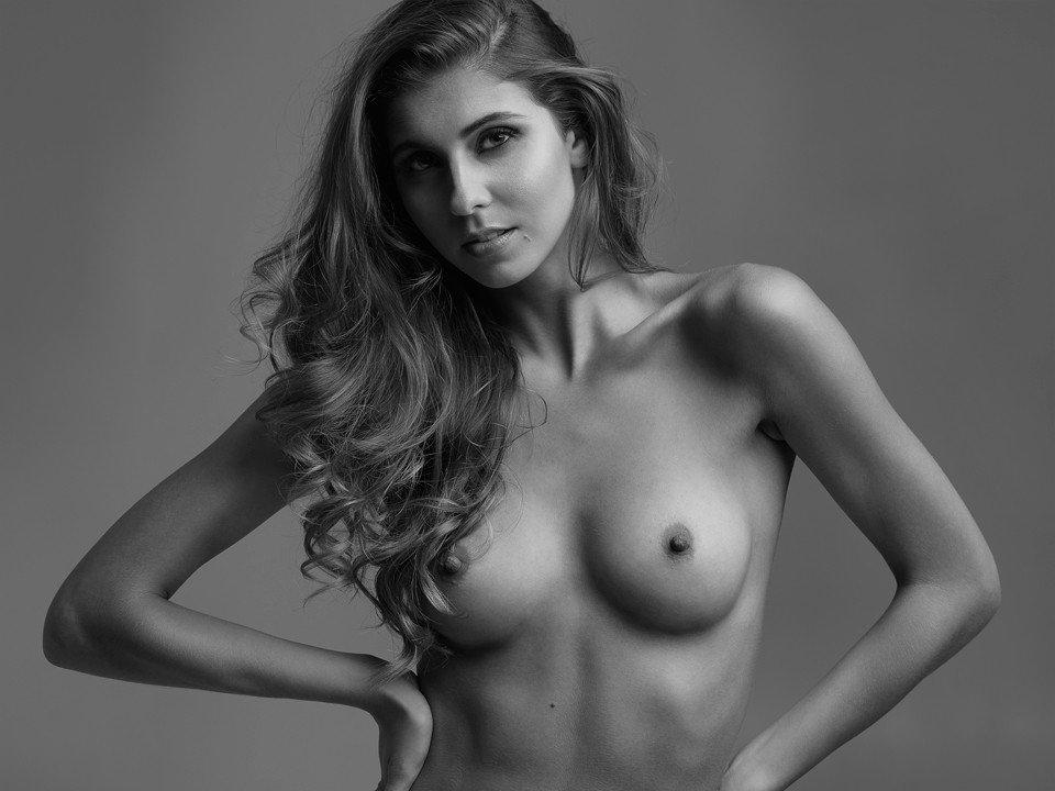 mackenzie beauty and geek naked