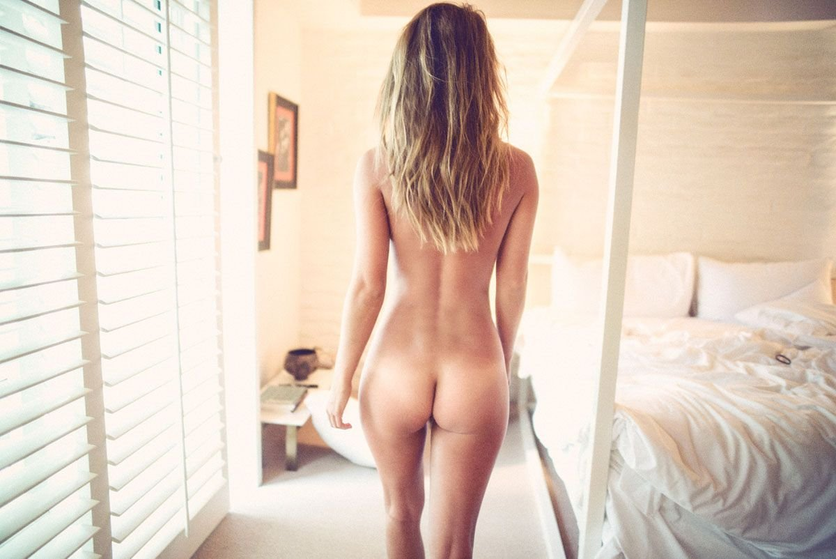 Naked girl celeb butt gif Dollar