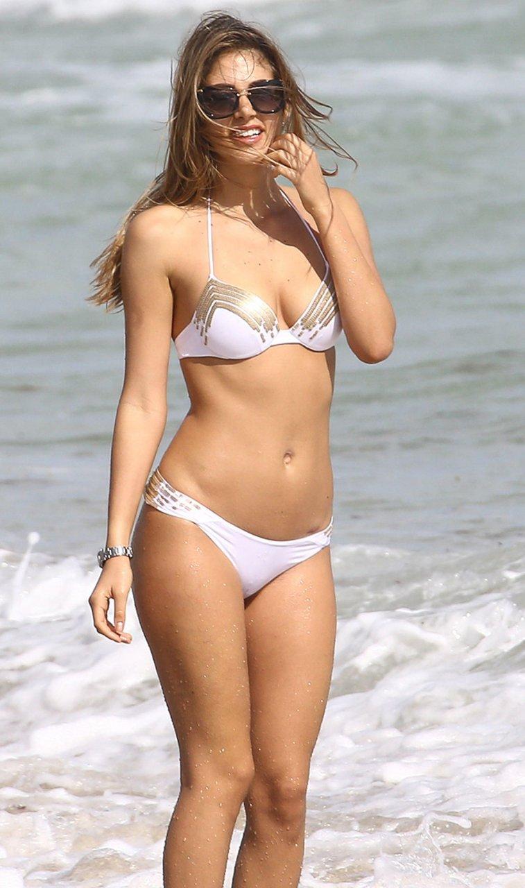 poppy drayton bikini
