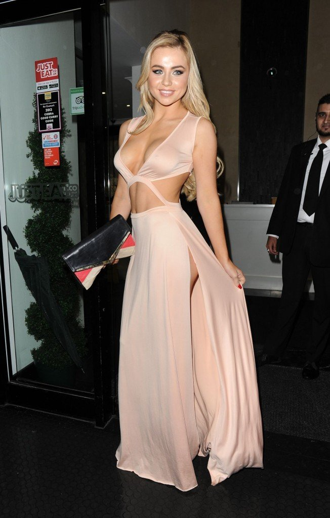 Melissa Reeves Without Underwear (49 Photos)