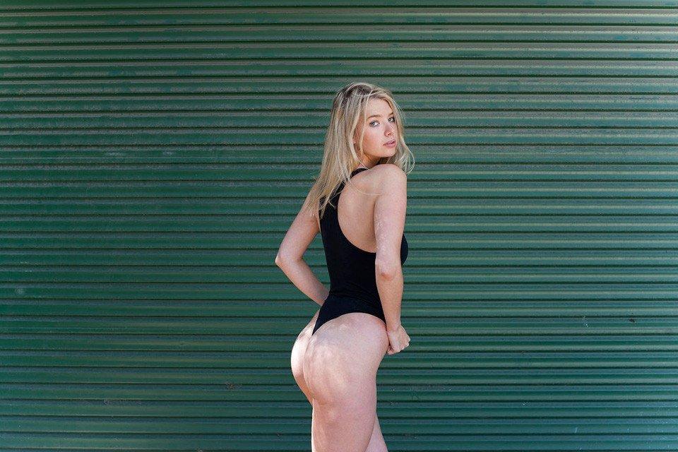 Monica Foley Sexy (10 Photos)