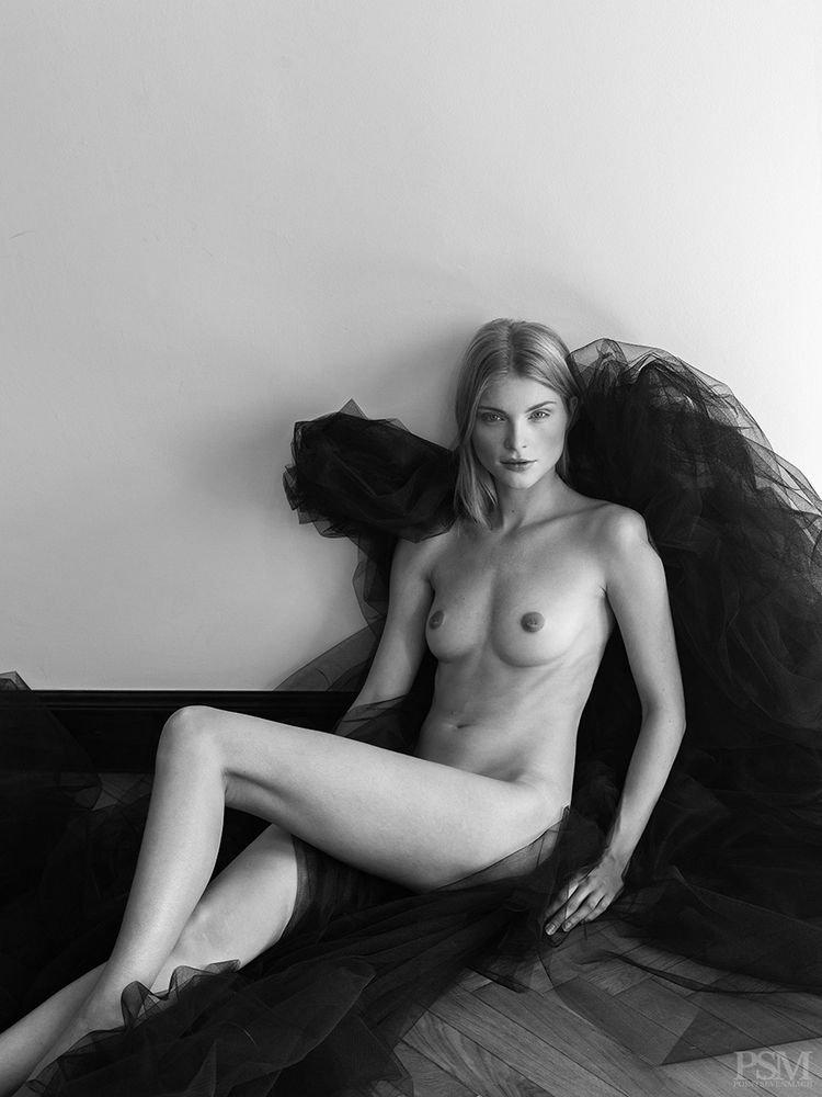 Monika Rohanová Nude (7 Photos)