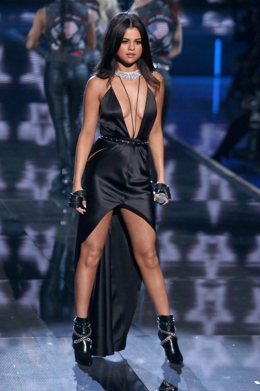 Selena Gomez naked (47 fotos) Sexy, Twitter, bra