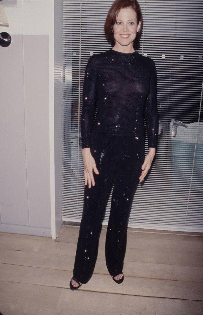 Sigourney Weaver See Through (6 Photos)