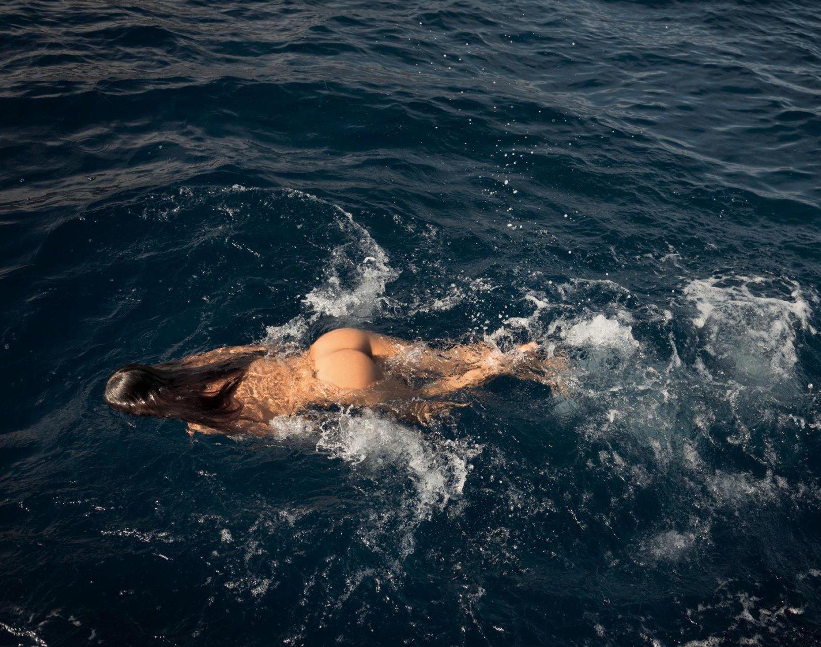 Alessandra ambrosio nude video