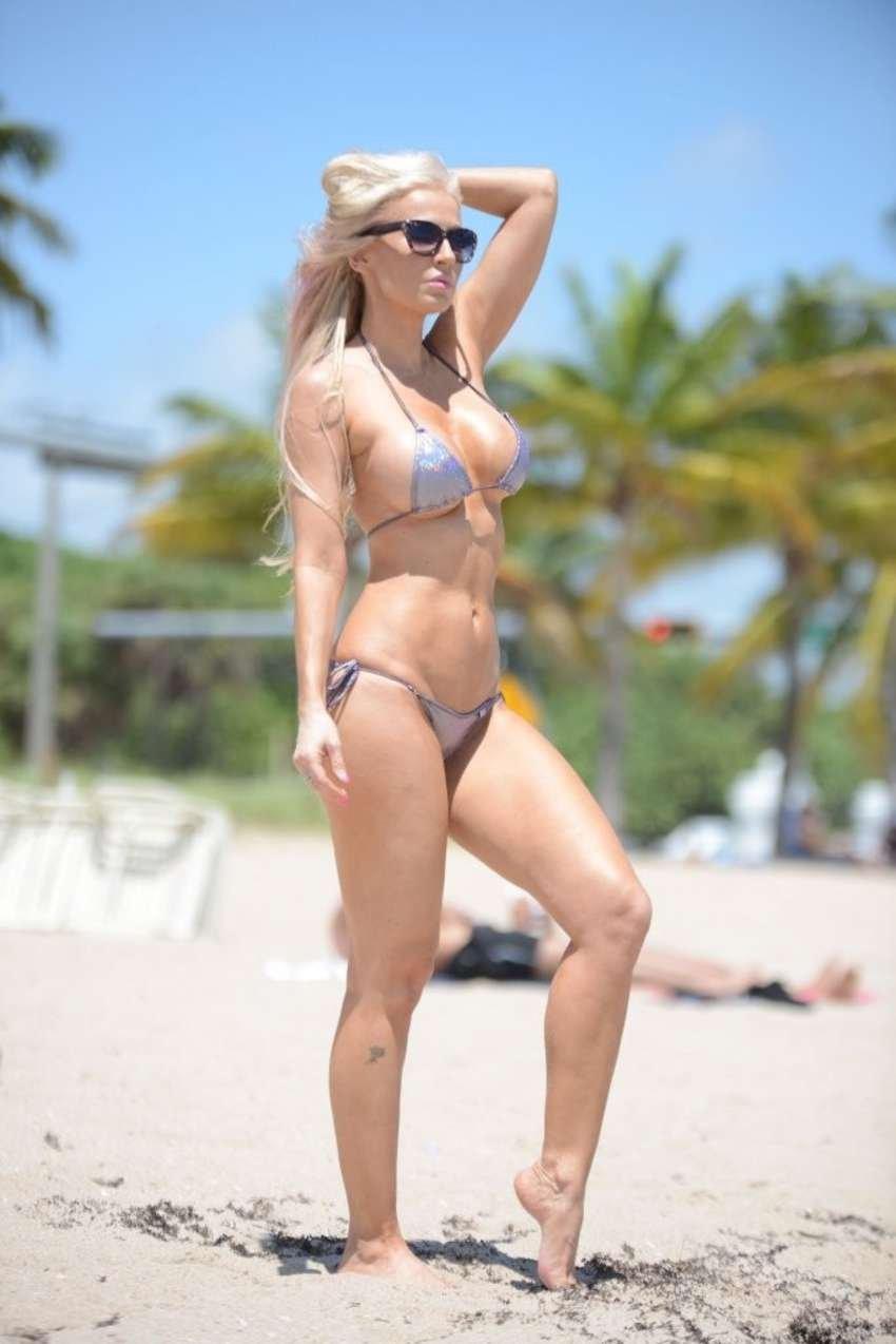 Ana Braga Topless Nude Photos 44