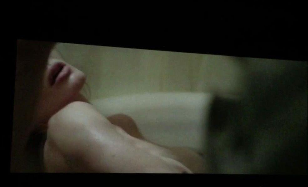 Angelina-Jolie-Topless-2