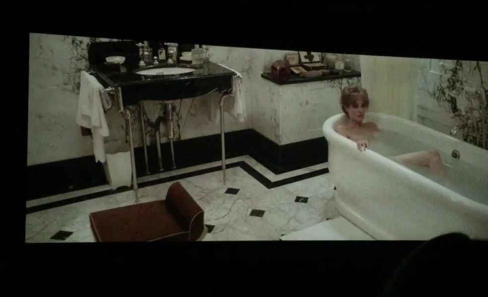 Angelina-Jolie-Topless-4