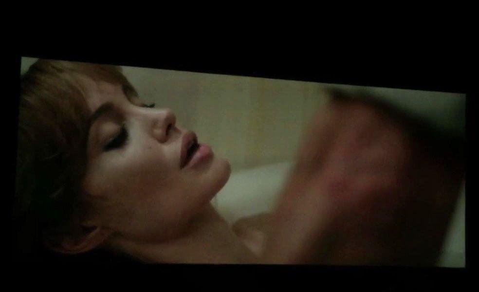 Angelina-Jolie-Topless-9