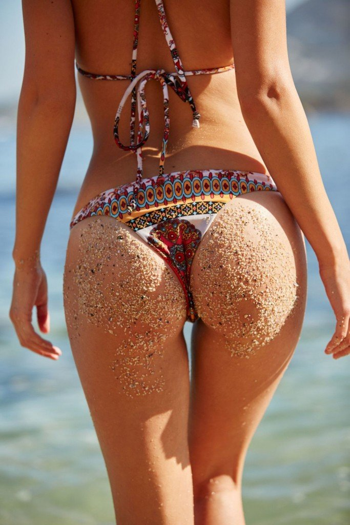 Annie-Ericson-Bikini-8