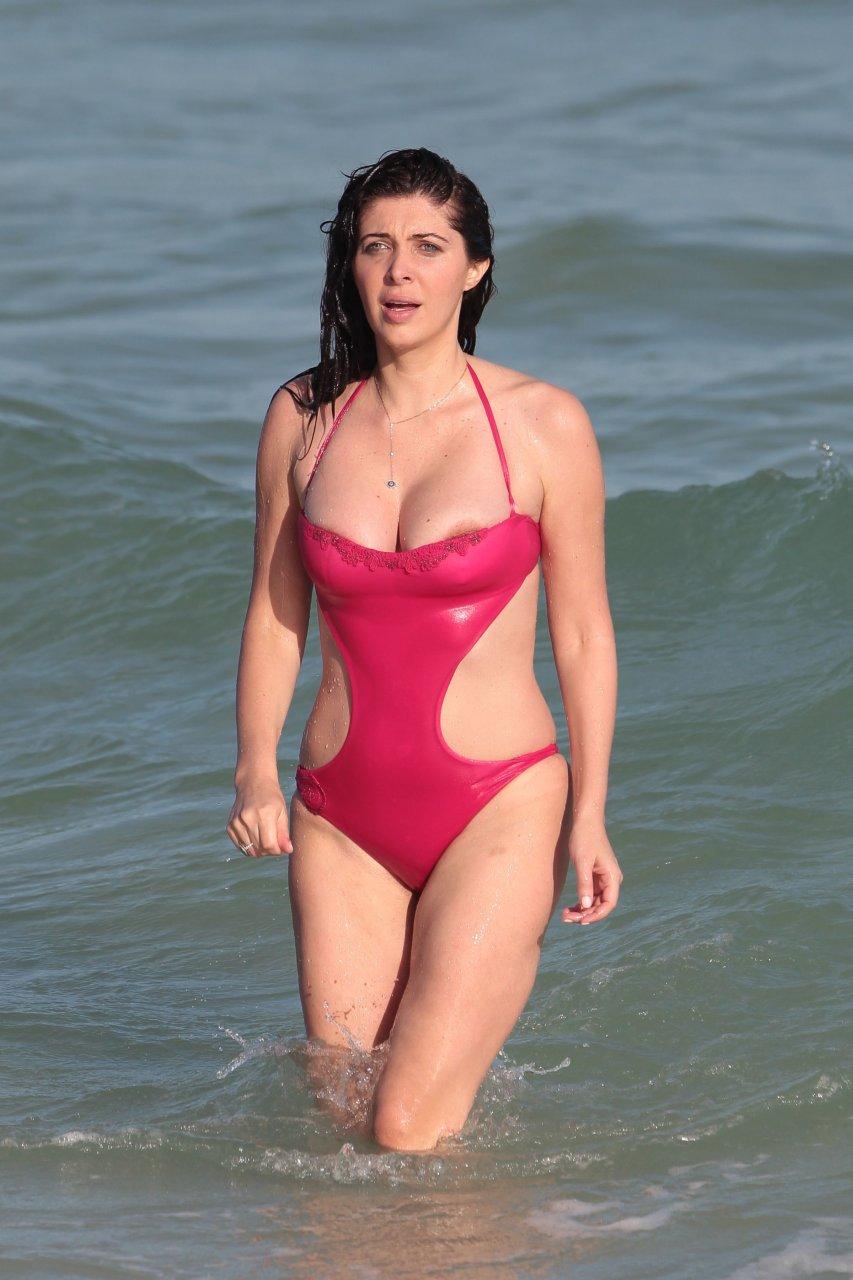 Stephanie sparks bikini pics