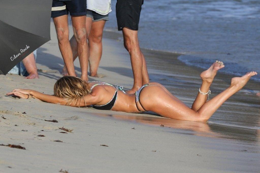 Candice Swanepoel Sexy (34 Photos)