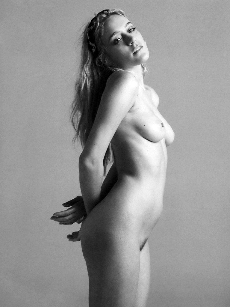 Chloe Sevigny Naked (5 Photos)