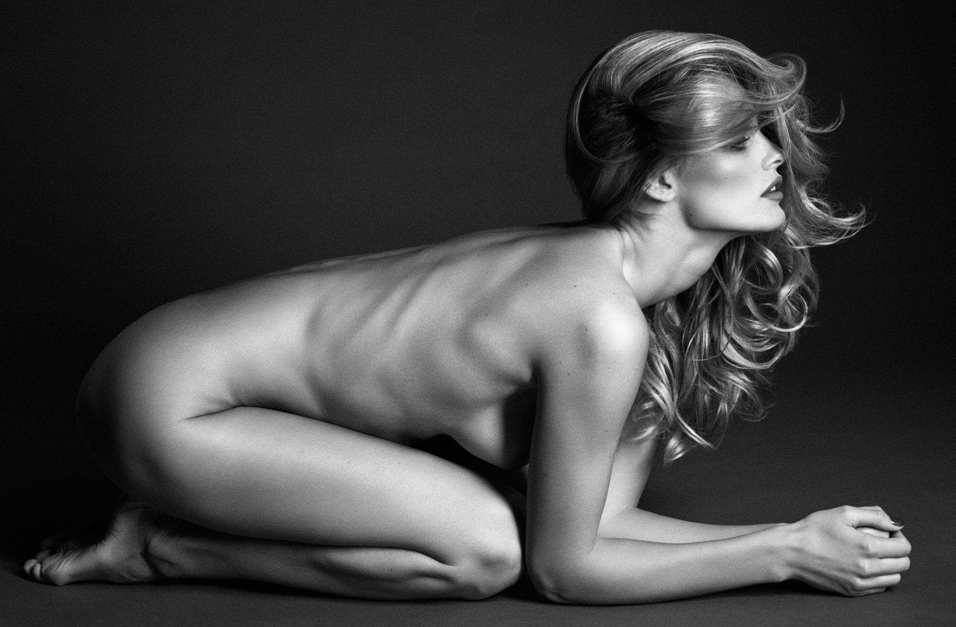Nackt  Sabine Moussier Sabine Moussier