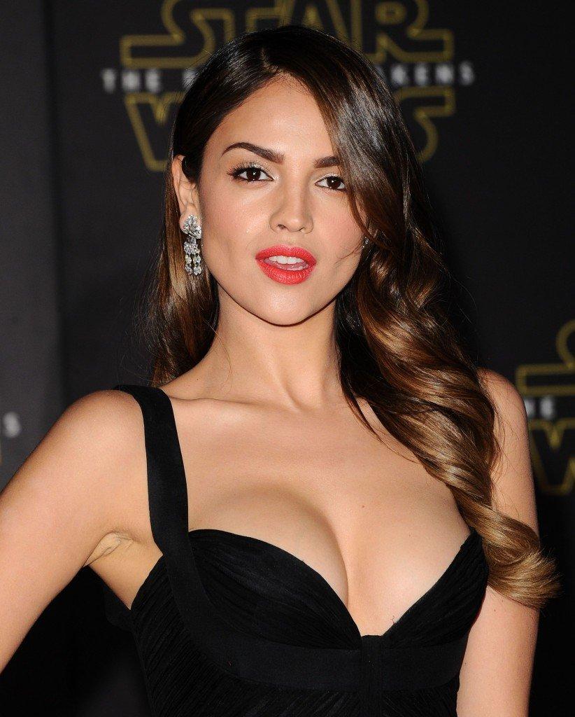 Eiza-Gonzalez-Sexy-2