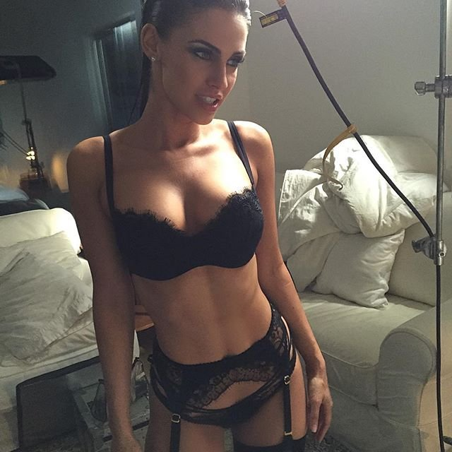 Jessica Lowndes Sexy (1 New Photo)