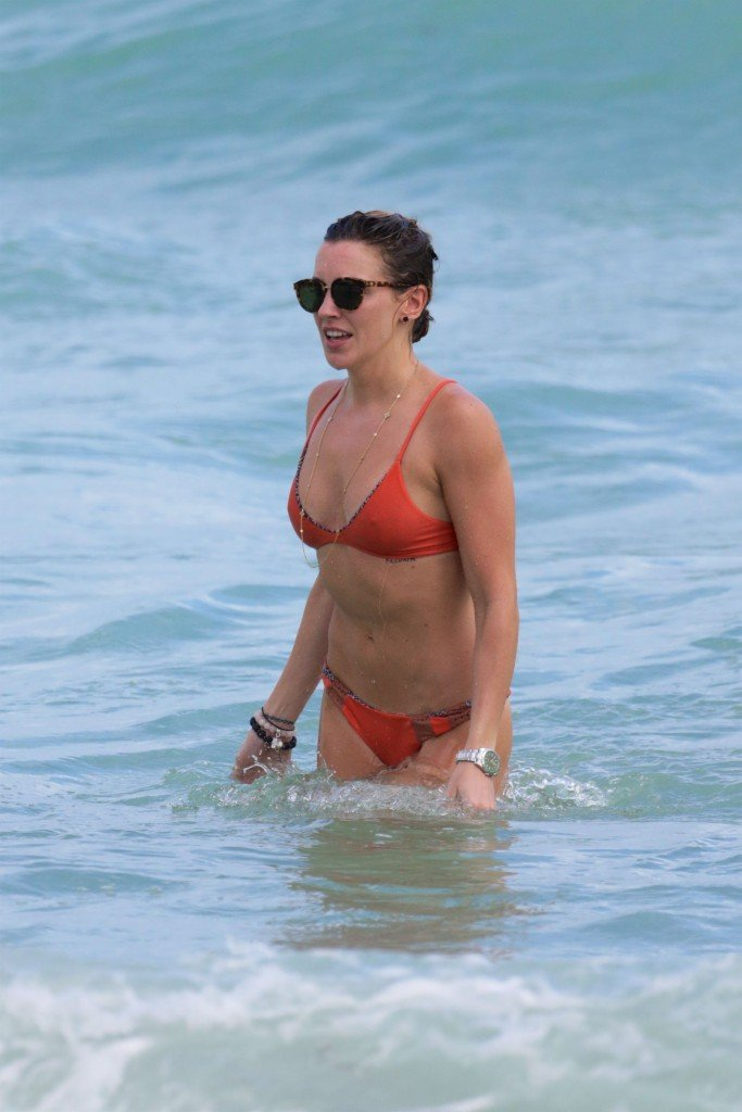 Katie Cassidy in a Bikini (52 Photos)