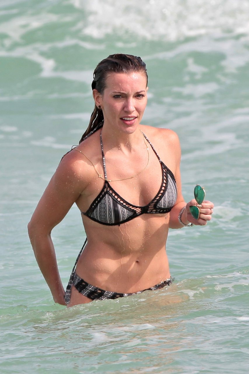 Katie cassidy sexy 27 Photos naked (79 image)
