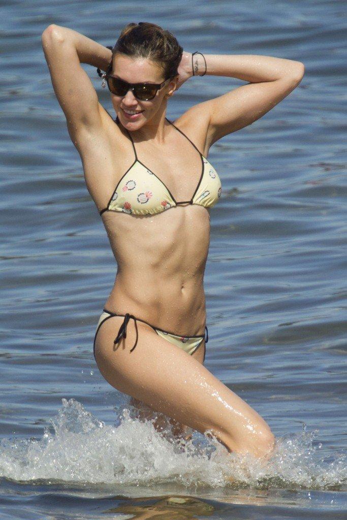 Katie Cassidy in a Bikini (18 Photos)