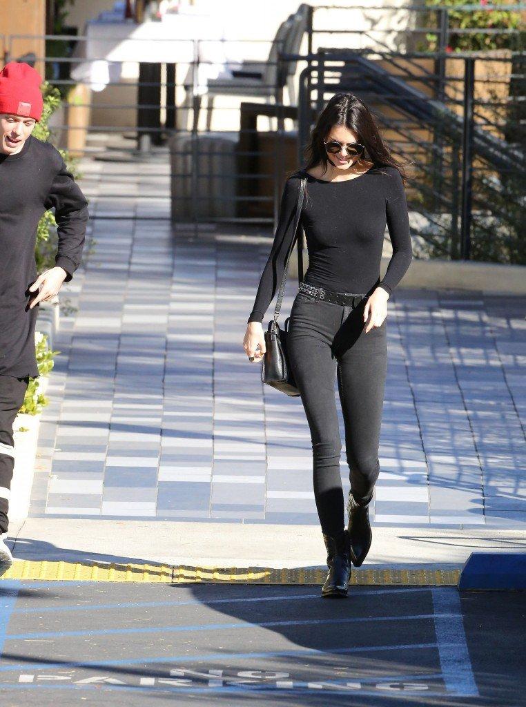 Kendall Jenner Pokies (28 Photos)