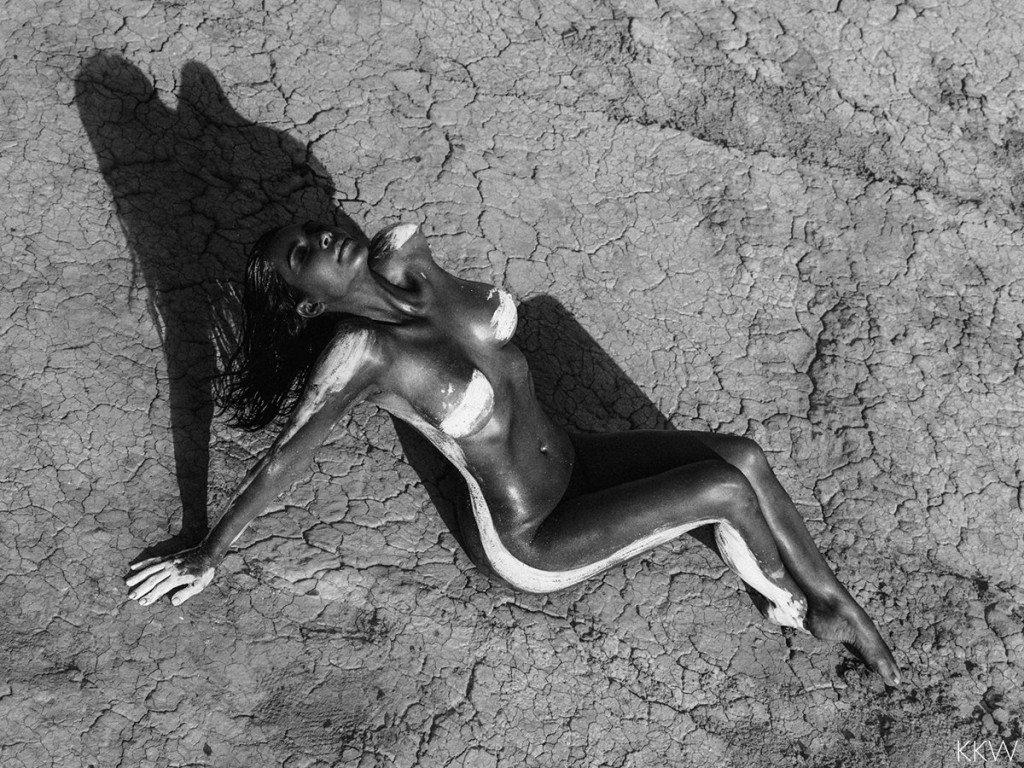 Kim Kardashian Nude (9 Photos)