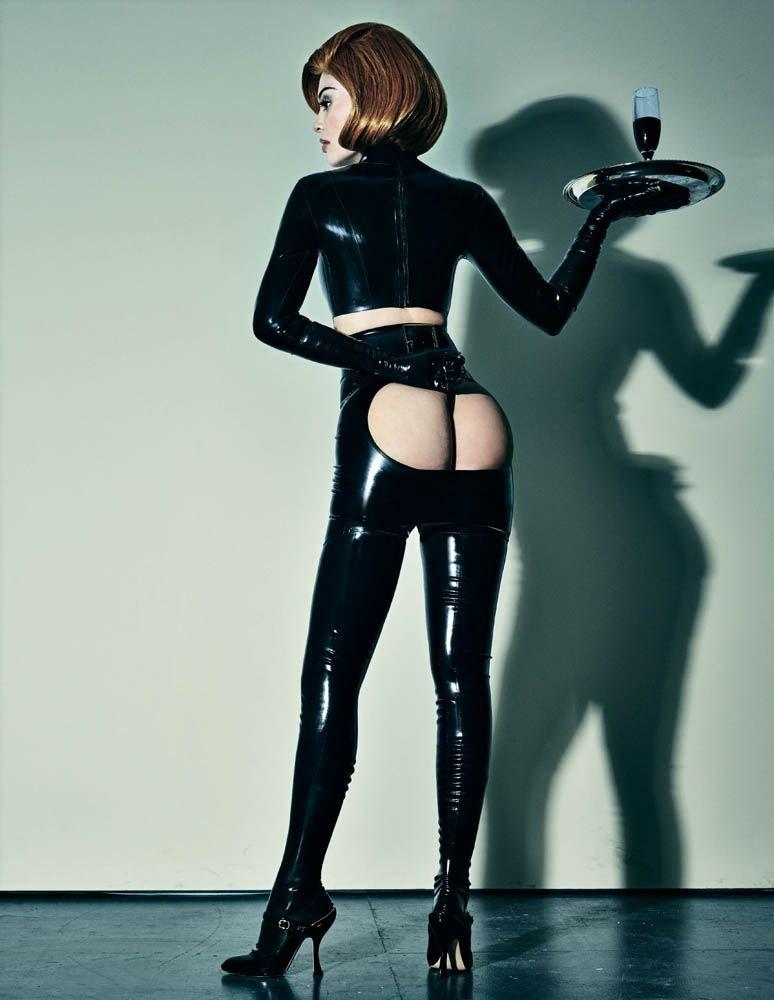 Kylie-Jenner-Sexy-10