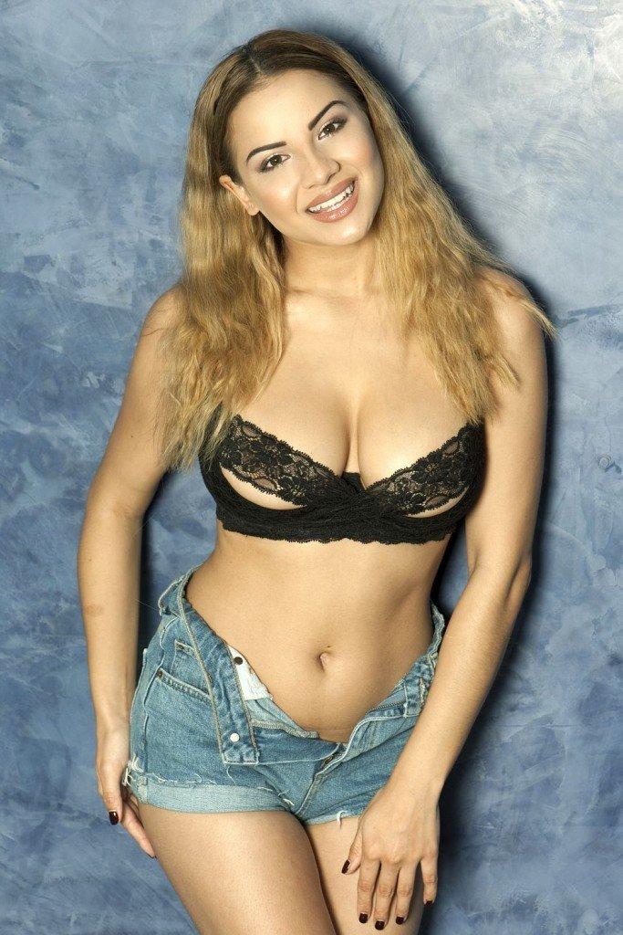 Lacey Banghard Sexy & Topless (5 Photos)