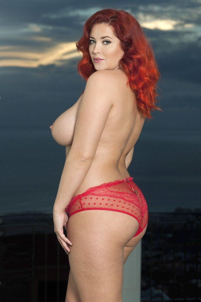 Lucy Collett Sexy & Topless (4 Hot Photos)