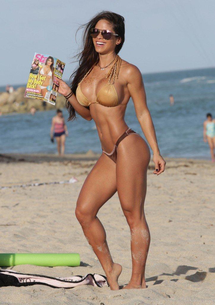Michelle-Lewin-in-a-Bikini-21