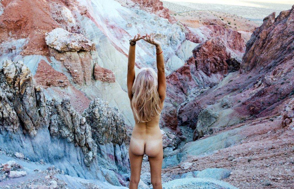 Phoenix Cotner Nude (16 Photos)