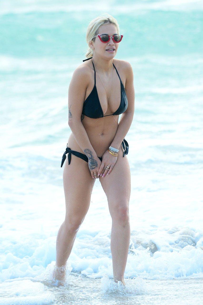 Alana lee bikini