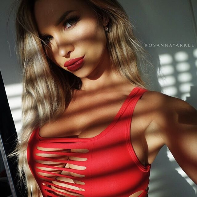 Rosanna-Arkle-Sexy-Nude-Topless-20