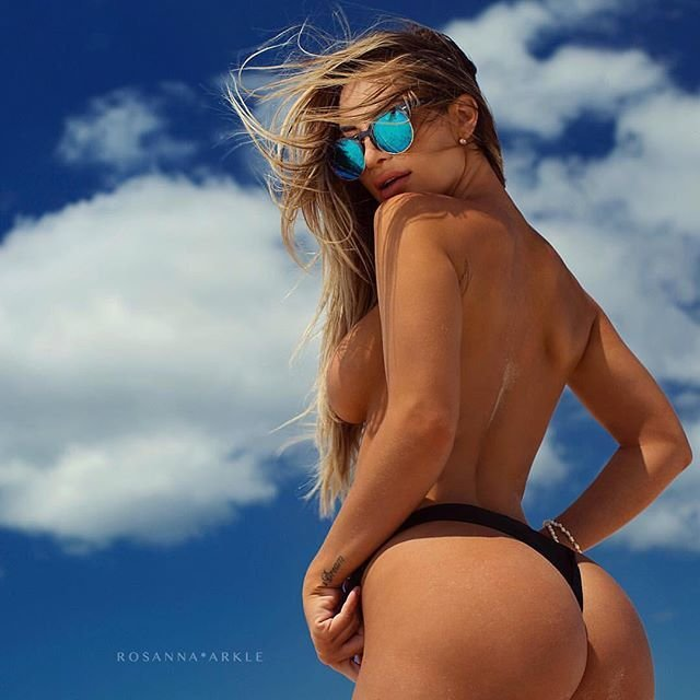 Rosanna-Arkle-Sexy-Nude-Topless-39