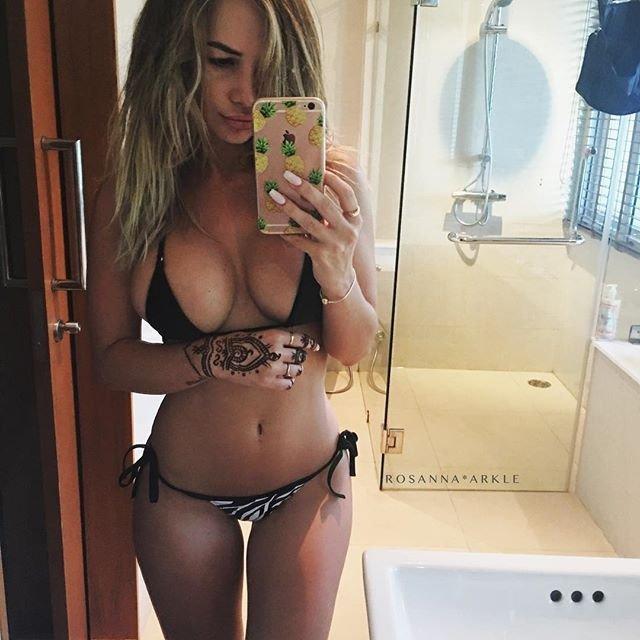 Rosanna-Arkle-Sexy-Nude-Topless-76