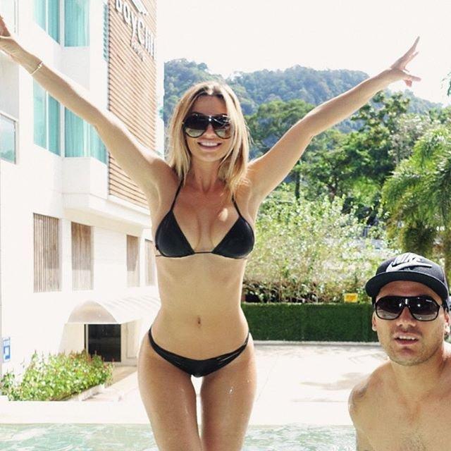 Rosanna-Arkle-Sexy-Nude-Topless-77