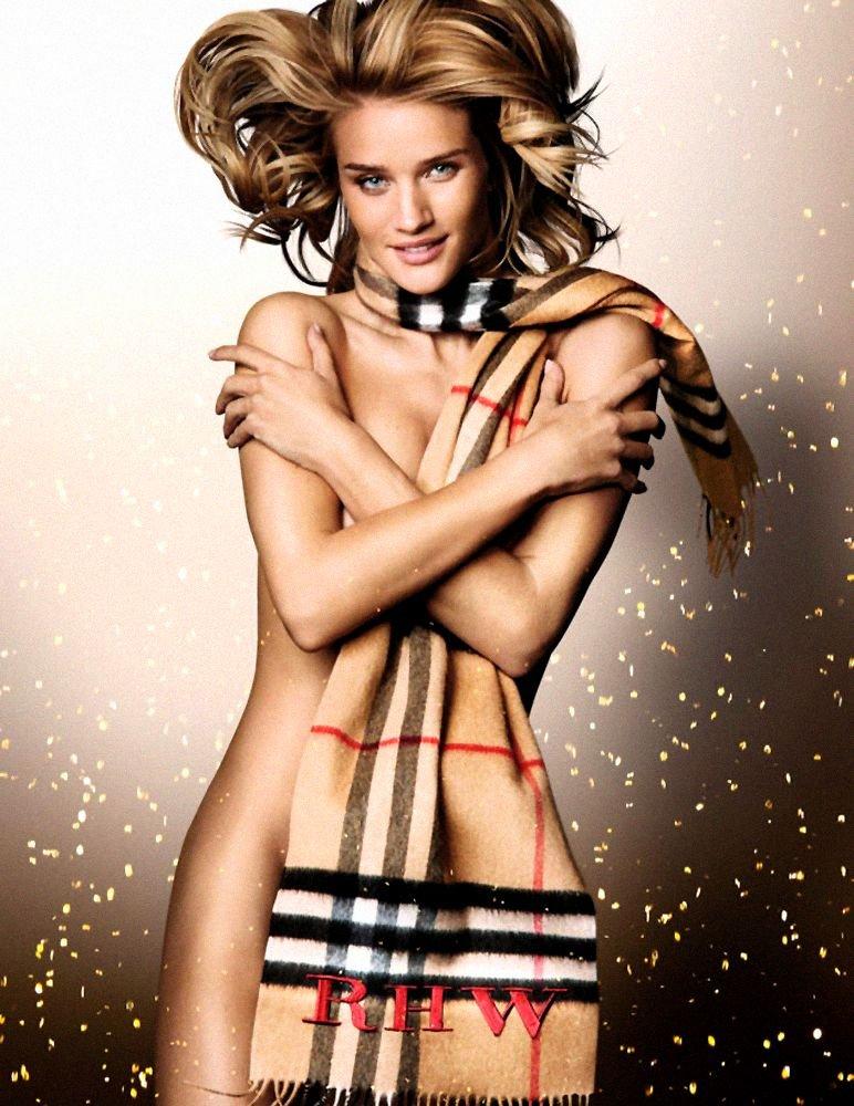 Rosie Huntington-Whiteley Nude (1 Photo)