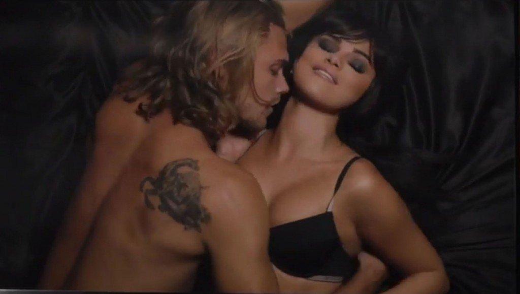 Selena Gomez Sexy (33 Photos + Video)