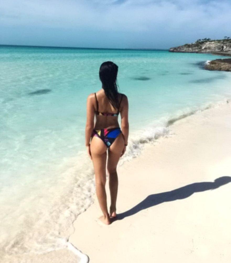 Shanina Shaik Sexy (5 Photos)