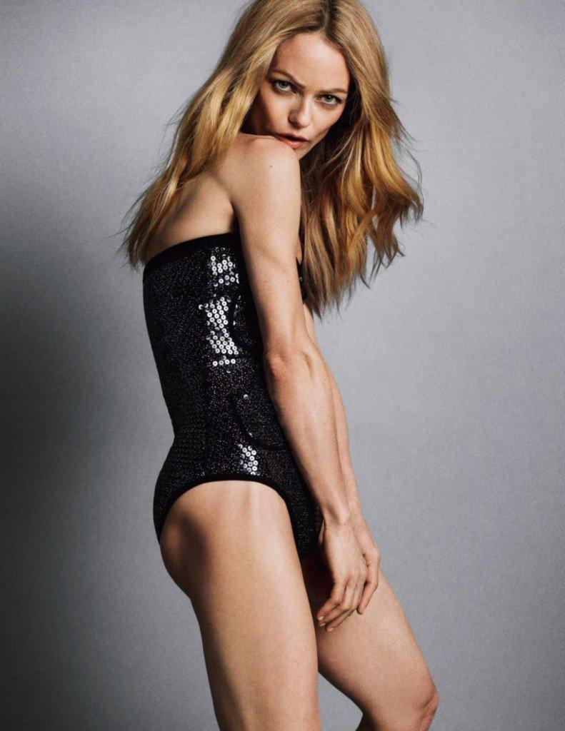 Vanessa Paradis Nude & Sexy (6 Photos)