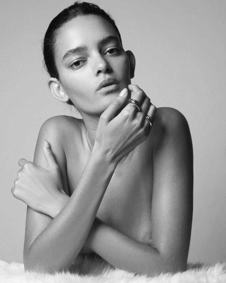 Wanessa Milhomem Topless (4 Photos)