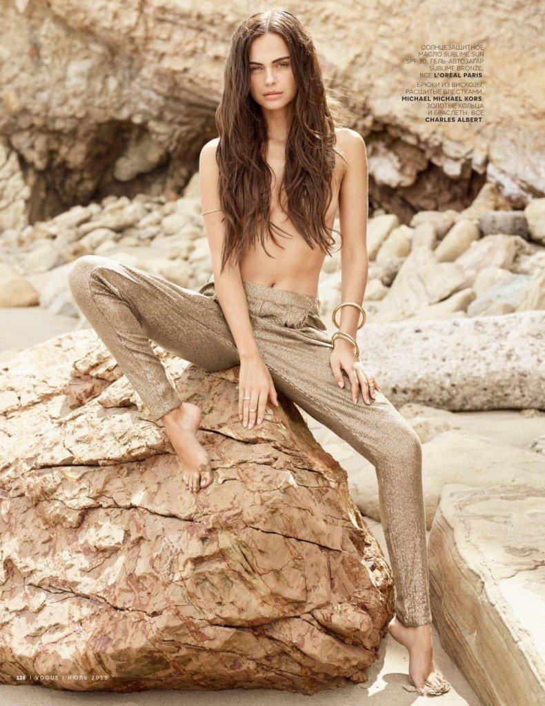 Xenia Deli Topless (1 Photo)