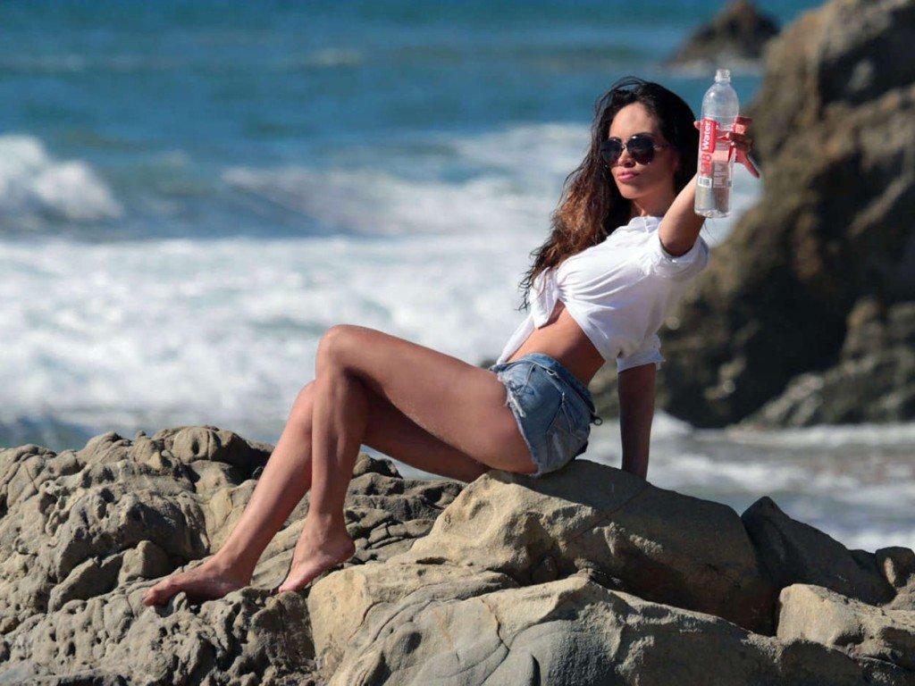 Ari Lezama Sexy (8 Photos)