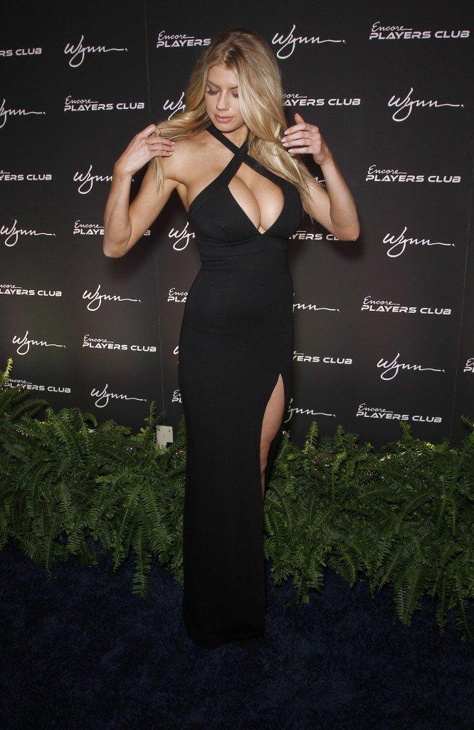 Charlotte McKinney Sexy (59 Photos)