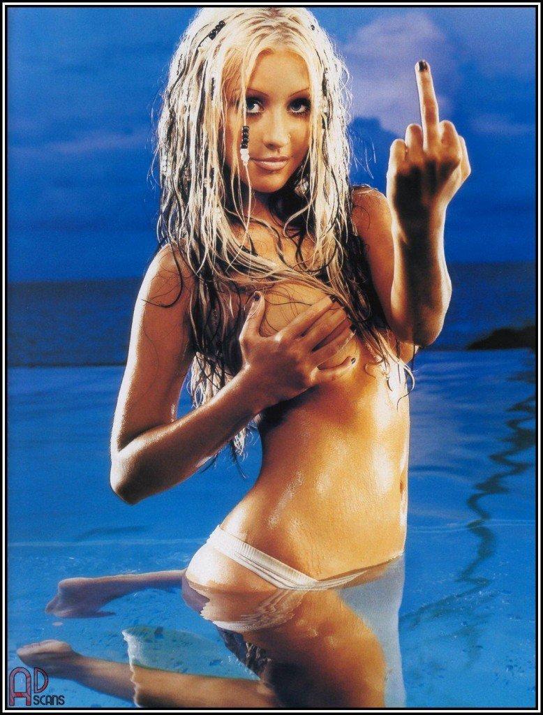 Christina-Aguilera-Topless-12