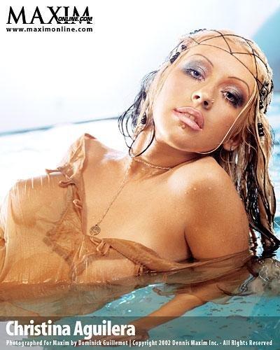 Christina-Aguilera-Topless-33