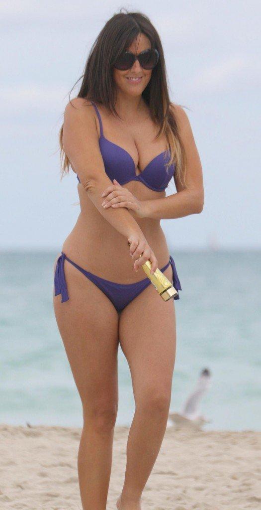 Claudia Romani in a Bikini (8 Photos)