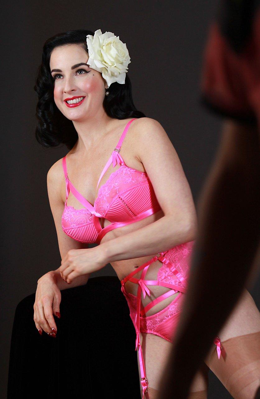 Dita Von Teese Sexy (140 Photos) | #TheFappening
