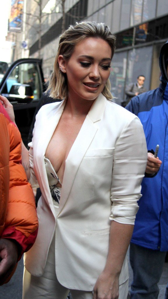 Amanda Bynes Nip Slip