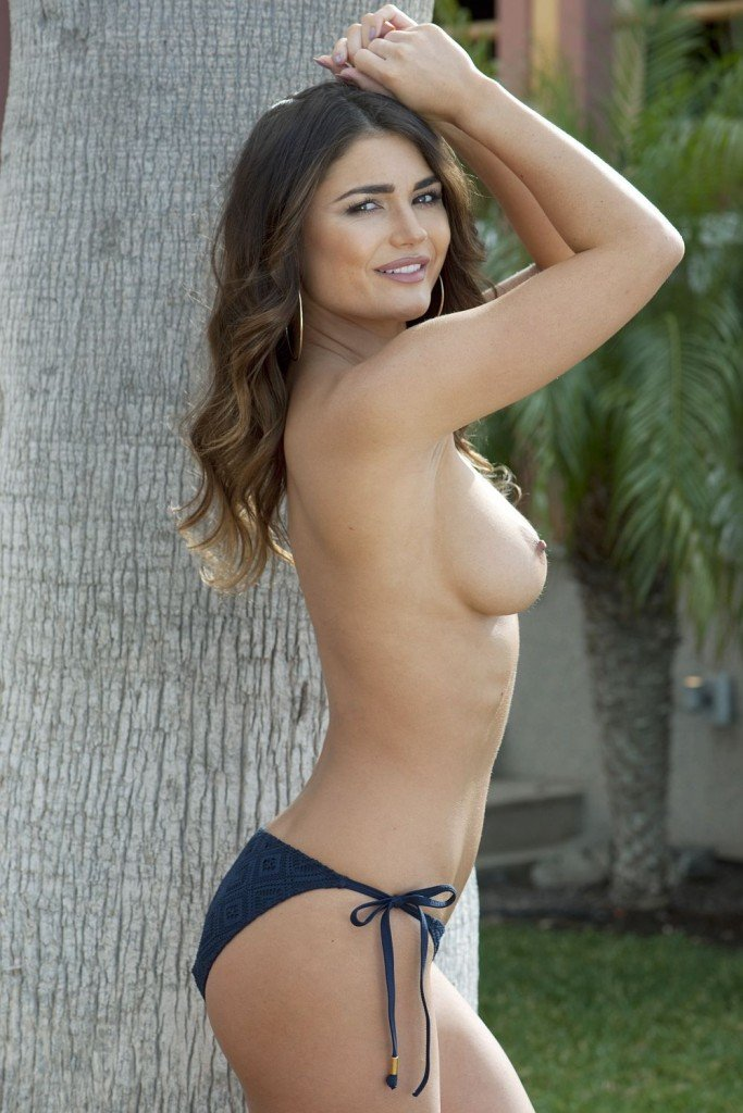 India Reynolds Sexy & Topless (4 Hot Photos)