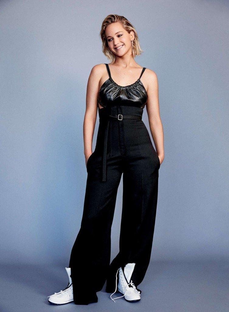Jennifer Lawrence Sexy (5 Photos)